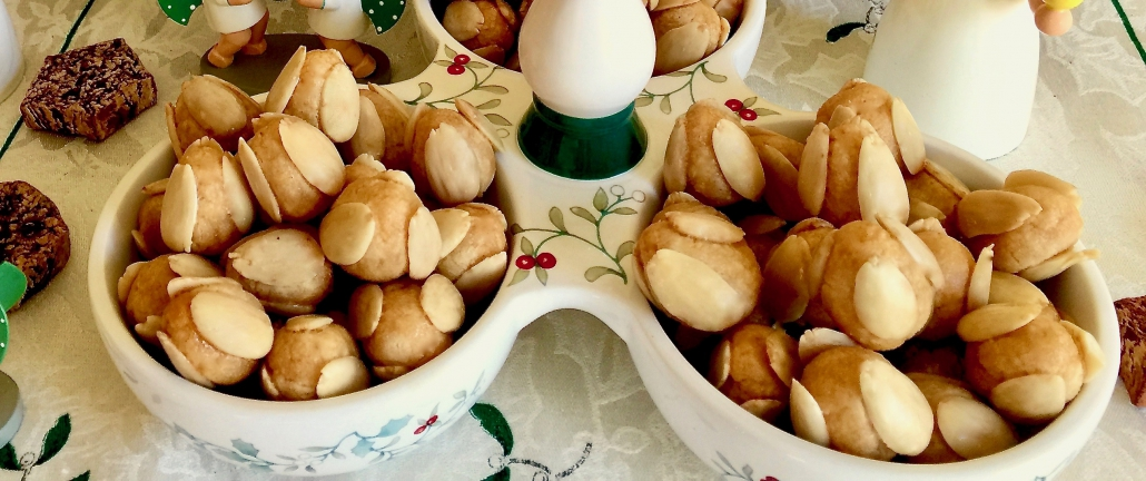 German Marzipan Cookies Bethmaennchen