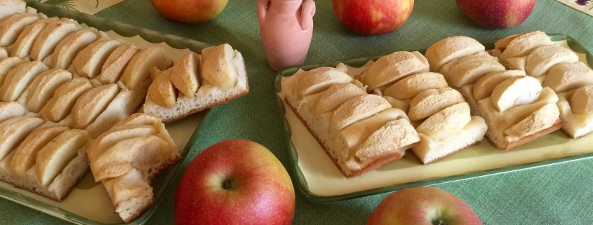 Simple Apple Cake Recipe