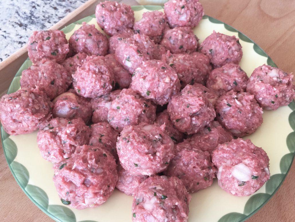 Preparation for Meat for Koenigsberger Klopse German Meatballs