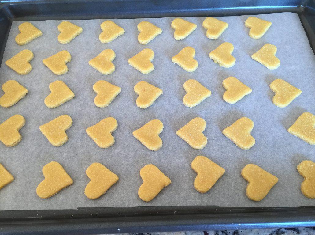 Finishing German lemon hearts recipe