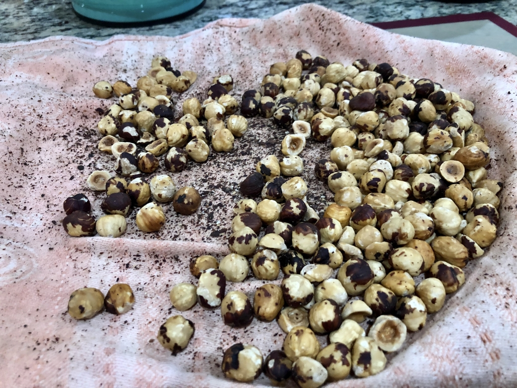 Skinning the hazelnuts