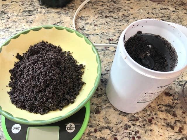 grinding poppy seeds for the German Kleckselkuchen